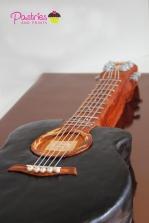 pp_guitar-cake